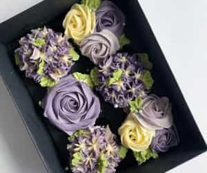 bouquet, cupcake, and edible art image