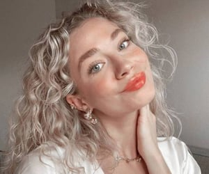 aesthetic, haïr, and curly image