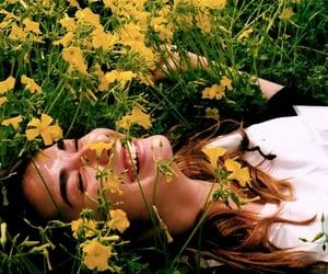 article, selflove, and femenine image