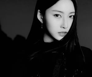 black and white, everglow, and sihyeon image