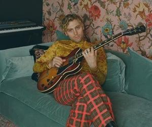 guitarist, music, and luke hemmings image
