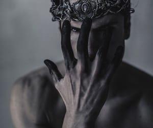 dark and crown image