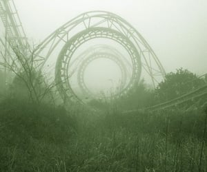 juegos, parque, and montana rusa image