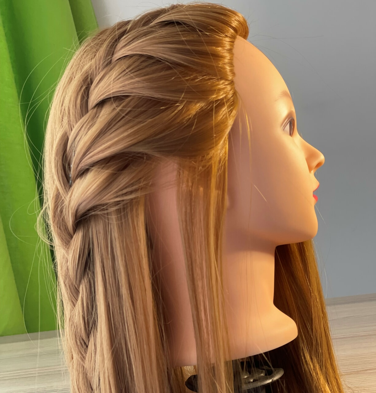 article and hair styles day image
