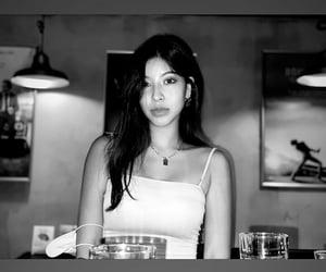 aesthetic, bar, and girl image