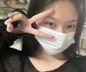 hyunjin, loona, and kpop image
