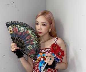 aesthetic, show, and kim taeyeon image