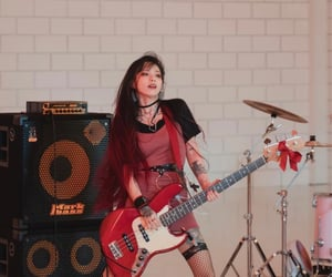 bass, arem, and bassist image