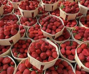 strawberry, fruit, and aesthetic image