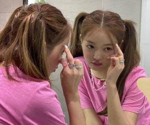 idol, kpop, and OMG image