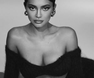 black and white, kylie cosmetics, and celebrity image