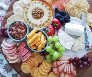cheese, ham, and crackers image