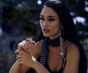 native american women image