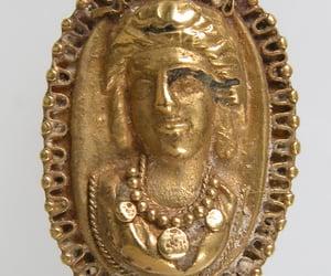 gold ring and metropolitan sanat müzesi image