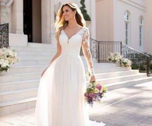 30+ Stunning Fall Long Sleeve Wedding Dresses To Look More Elegant - Vashionable