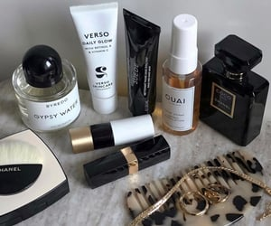 beauty, chanel, and simplicity image