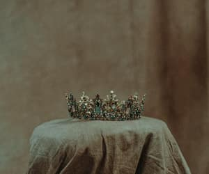 middle ages and crown image