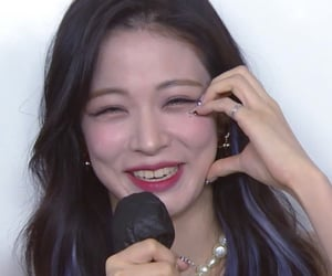 kpop, fromis_9, and chaeyoung image