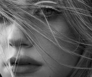 lili reinhart image