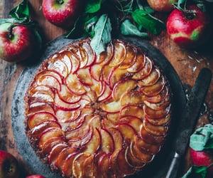 apples and apple tart image