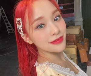 dreamcatcher, red hair, and lee gahyeon image