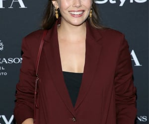 elizabeth olsen, party, and sorry for your loss image