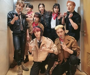 felix, mnet, and hyunjin image