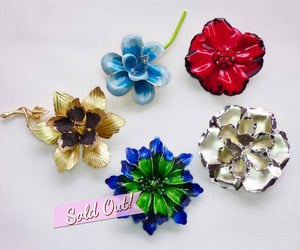 blue green, etsy, and flower brooch image