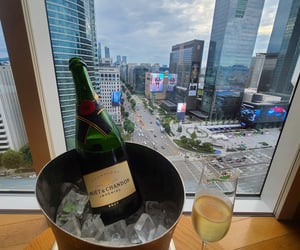 champagne, drinks, and moet image