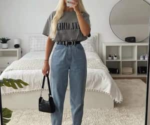 t shirt and mom jeans image