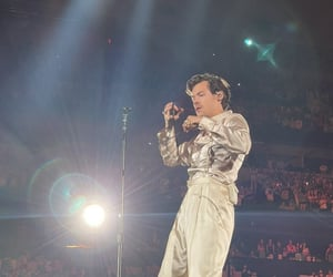 Harry on stage in Dallas