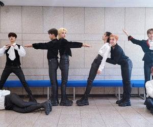 felix, korean, and hyunjin image