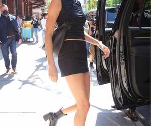 famous, street style, and kardashians image