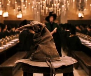 """""""Sorting hat and minerva approaching"""" But this image shows the beginning of an epic saga ⚡"""