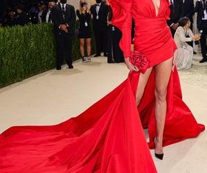 belleza, Carolina Herrera, and elegancia image