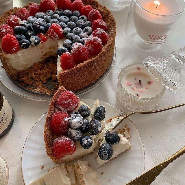 food, berries, and cake image