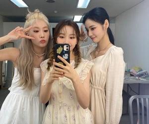 loona, jinsoul, and kim lip image