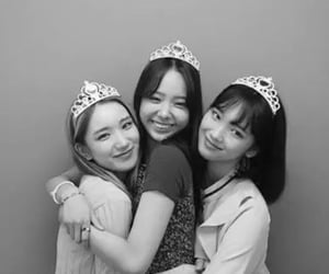 girls planet 999, ryu sion, and han dana image