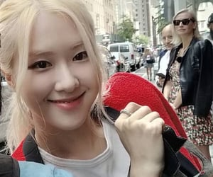 kpop, park chaeyoung, and rose image