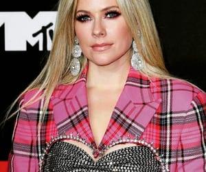 Avril Lavigne, celebrities, and fashion image