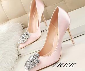 belleza, elegancia, and zapatos image