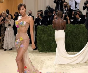 met gala, fashion, and flowers image
