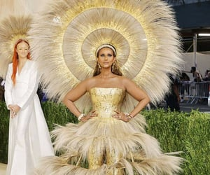 fashion, gold, and met gala image