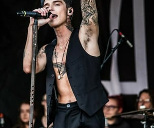 boys, suit, and bvb image