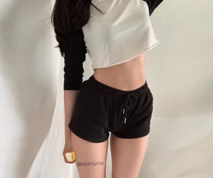 black, long sleeve, and bella top image