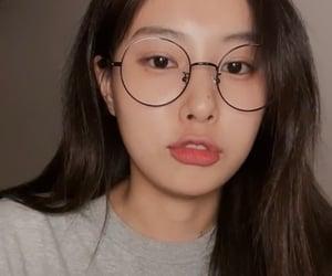 lq, hyewon, and kang hyewon image