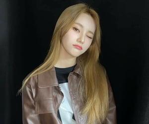 asian girl, kpop, and orbit image