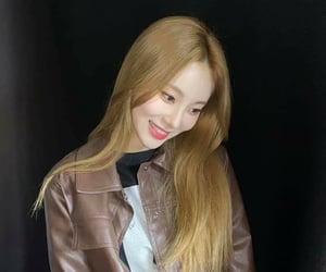 idol, pretty, and jinsoul image