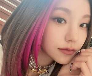 hair, k-pop, and selca image