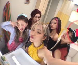 itzy, lia, and kpop image